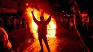 فوران خشم سیاهان امریکا علیه نژادپرستی