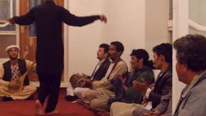 مستند «آنان فقط نمیرقصند»، میراث هولناک قومندانهای جهادی از بچهبازی