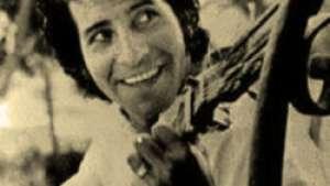 ویکتور خارا با مسلسلِ گیتار در برابر بیعدالتی
